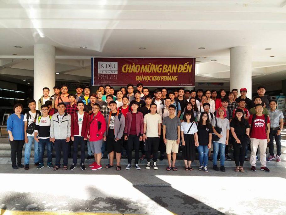 Sinh viên ĐH FPT hào hứng với Chương trình học tiếng Anh tại Malaysia