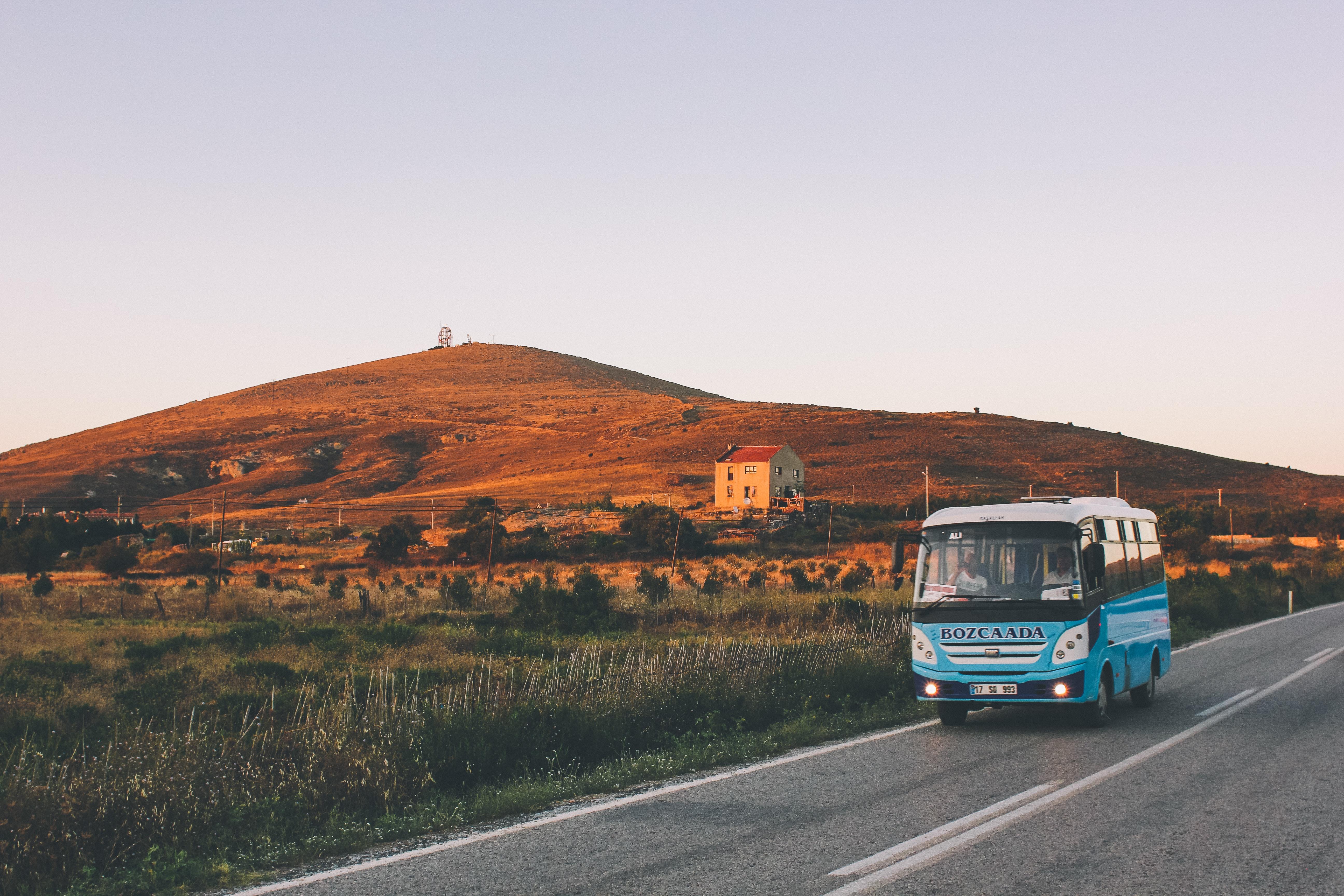 Chuyến xe buýt của thanh xuâ