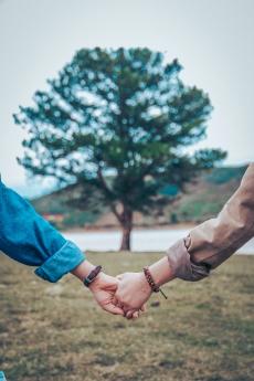 Quân sư quạt Cóc: Khi gà bông nói không với lãng mạn?