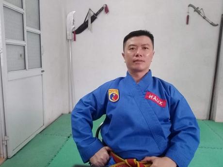 Thầy Lữ Thanh Xuân: Bàn tay thép đặt lên trái tim từ ái